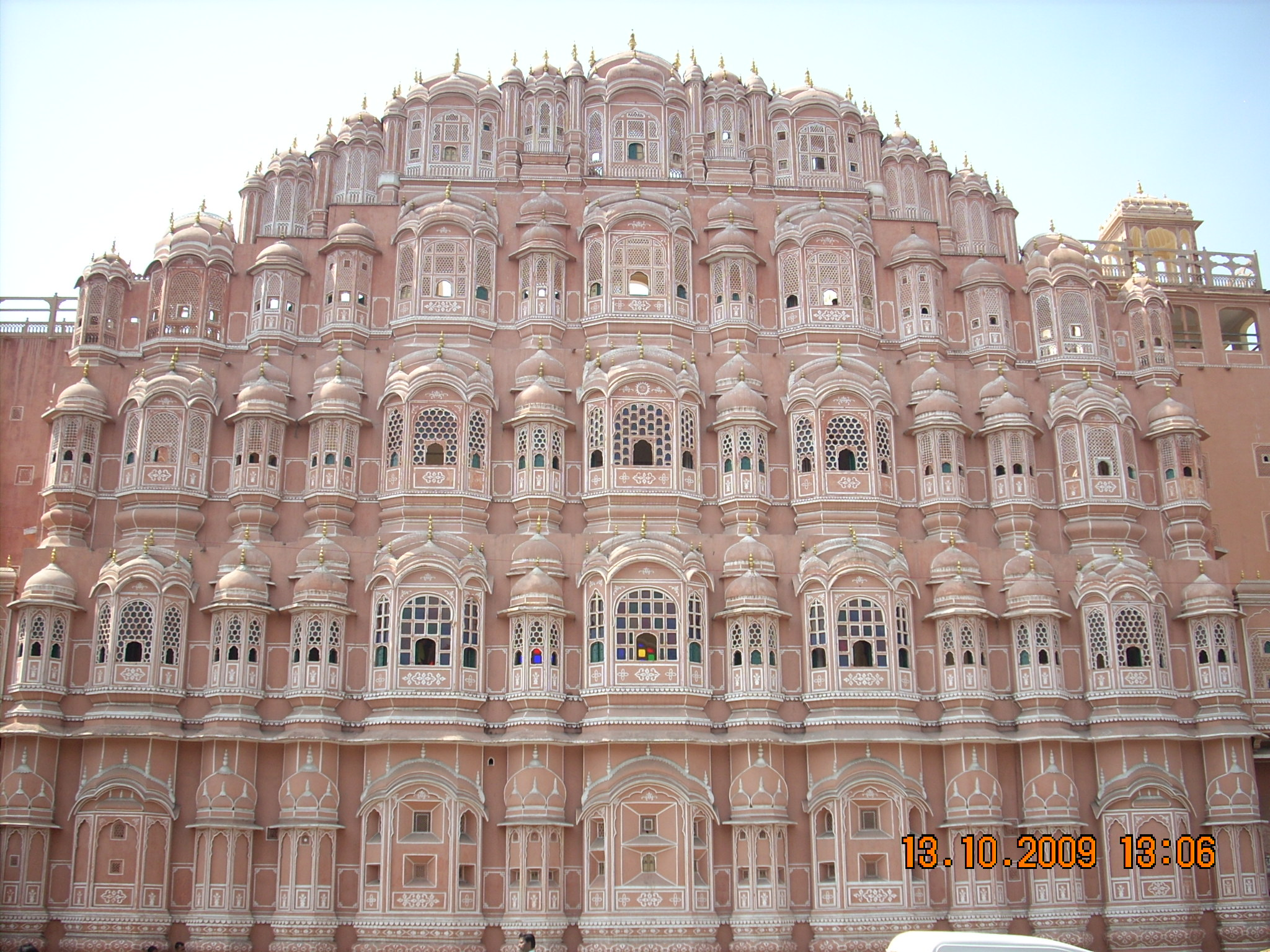 hawa mahal Read this post for interesting facts, frequently asked questions and detailed information about hawa mahal jaipur.
